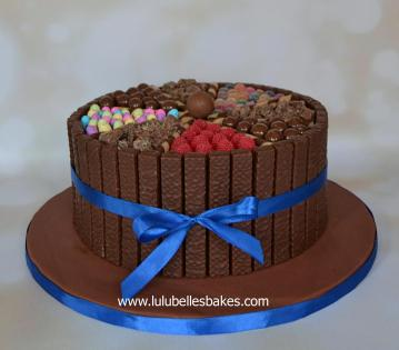 Wagon wheel chocolate cake
