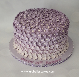 Purlple ombre flower cake
