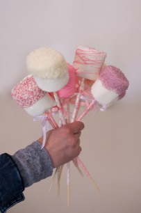 Giant marshmallow pops