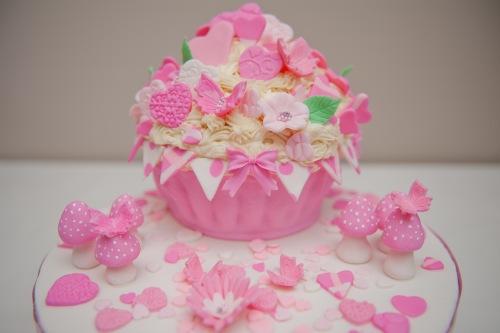 giant-cupcake-1