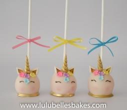 Unicorn cake pops